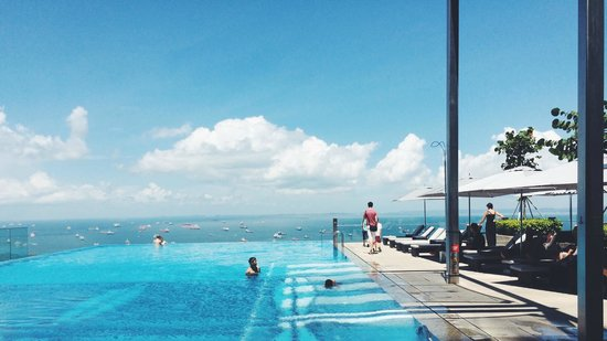 infinity pool singapore. The Westin Singapore: Infinity Pool On A Sunny Day Singapore L