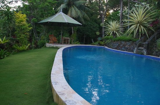Air Manis Hill Residence: Pool