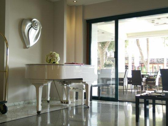 Hotel Villa Rosa Riviera: lobby