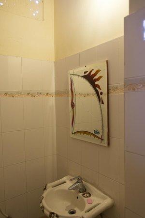 The Blue House Guest House Jodhpur: Bathroom