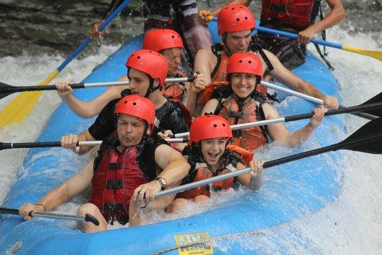 Amigos Del Rio: Down the rapid