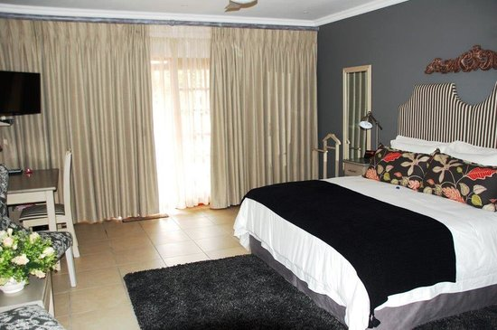 Rivonia Bed & Breakfast: Superior bedroom en-suite. With air-conditioning.
