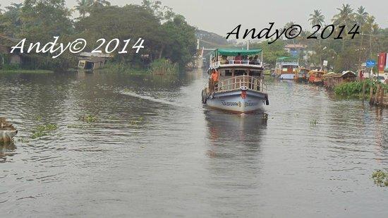 Alleppey Backwaters : 2