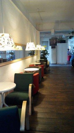 Chengdu Flipflop Lounge Hostel : Dining area