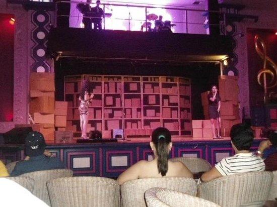 Hotel Riu Guanacaste: show