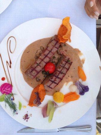 Hotel Restaurant La Pietra : Tonno grigliato