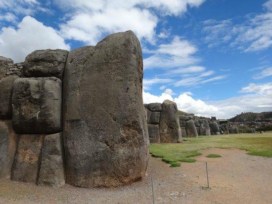 Sacsayhuaman: サクサイワマン遺跡城壁