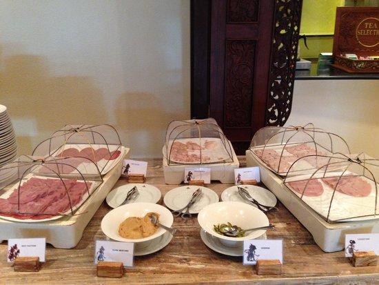 Ayodya Resort Bali: Cold cut at breakfast