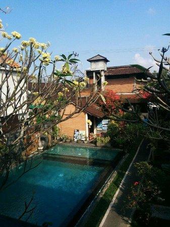 Merthayasa Bungalows: Vue de notre chambre