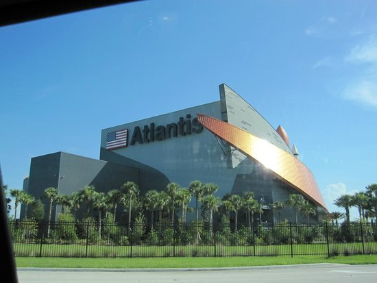 Kennedy Space Center Visitor Complex: アトランティス建物