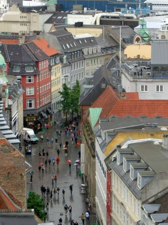 Rundetårn : View of the shopping street below from the top of the Rundetaarn