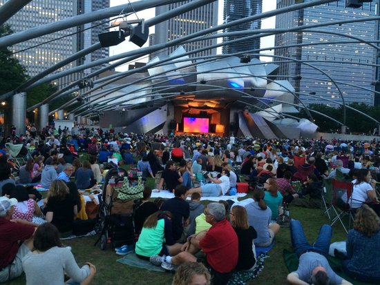 Jay Pritzker Pavilion: The Pritzker Pavillion from the back before dark at a symphony orchestra concert