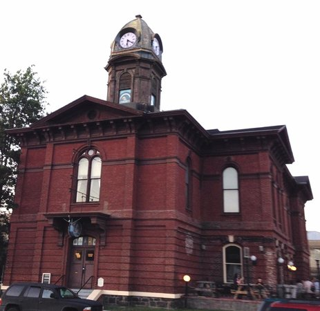 Clock Tower Ales: Last place in Oregon where a bad guy was hanged!