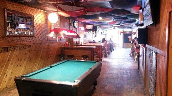 Silver Dollar Bar and Grill: Il tavolo da biliardo