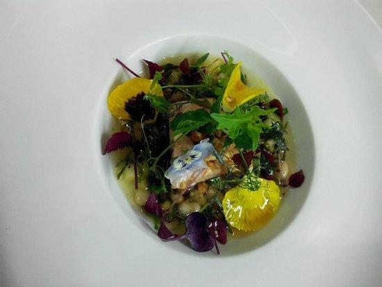 L'autruche : Saumon poché en bouillon menthe-agrumes