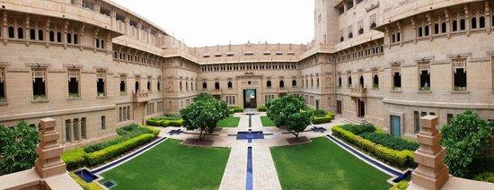 Umaid Bhawan Palace Jodhpur: Majestic Courtyard