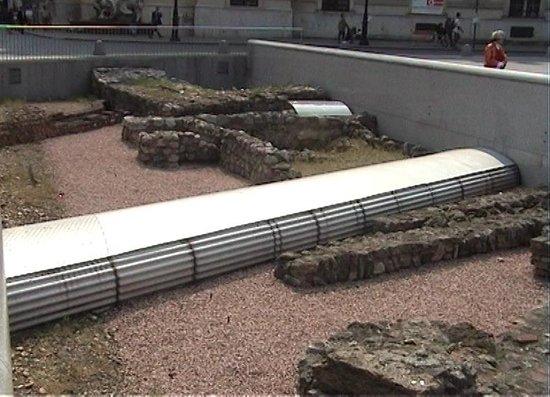 Michaelerplatz: Roman Remains