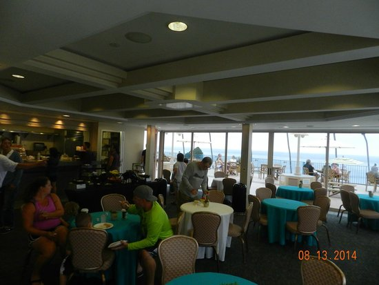La Jolla Cove Hotel & Suites: Indoor Breakfast area