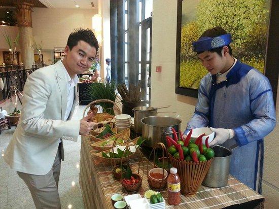 Hilton Hanoi Opera: Lunch at the hotel