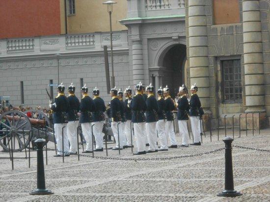 Palais royal : Kungliga Slottet, relève de la garde, 16.08.2014