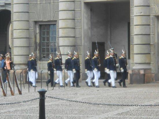 Palais royal : Kungliga Slottet , relève de la garde, 16.08.2014