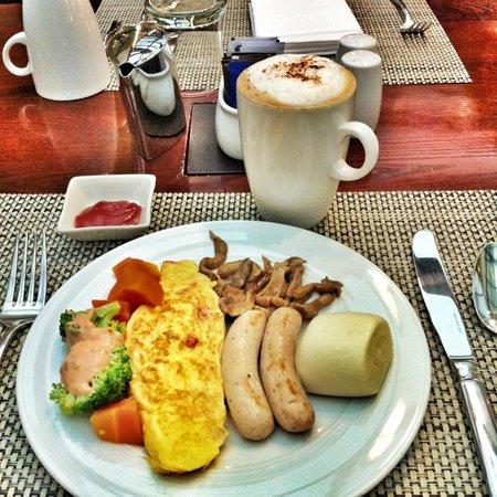 Hilton Hanoi Opera: Breakfast