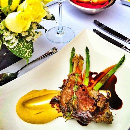 Hilton Hanoi Opera: Lunch
