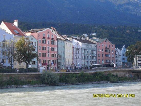 The Golden Roof (Goldenes Dachl) : a view of  Innsbruck
