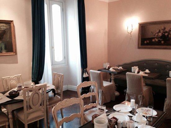 Vivaldi Luxury Rooms : Sala colazione.