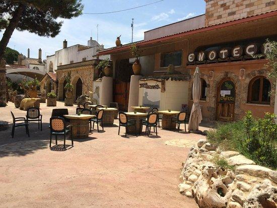Al Baño Piazza Grande:Tenute Al Bano Carrisi: Cellino San Marco resort Al Bano