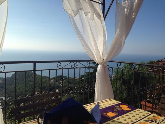 Altoblu Bed & Breakfast: Blick von der Frühstücks-Terrasse