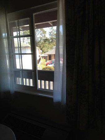 Motel 6 Monterey Downtown: Looking outside rm 119