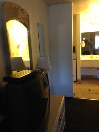 Motel 6 Monterey Downtown: Inside rm 119
