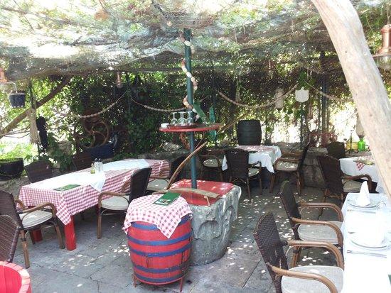 Przno, Μαυροβούνιο: Konoba Zago