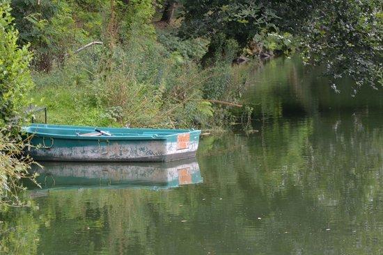 Pluduno, France: Boat