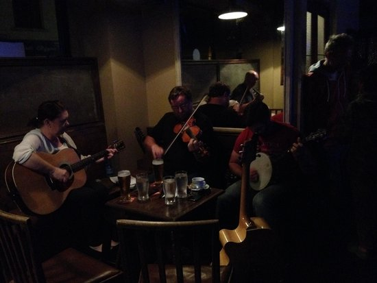 T Morris: Session in the Bar