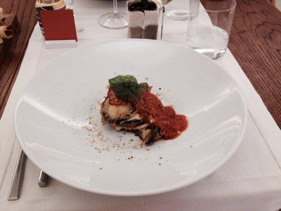 Pari Biosteria: Parmigiana di melenzane(millefoglie di melenzane)