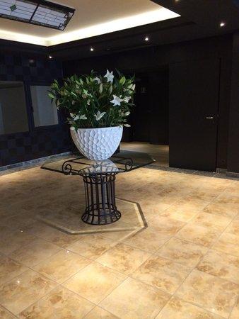 Hotel Bero: Hall d'entrée