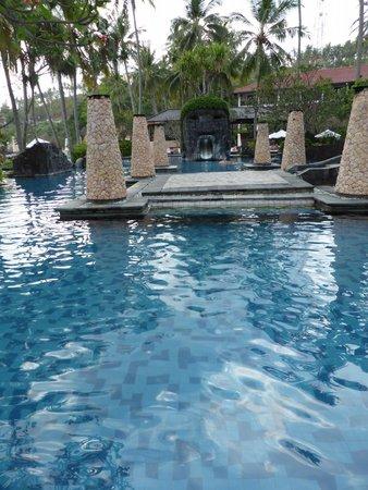Sheraton Senggigi Beach Resort : Pool area