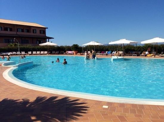 Popilia Country Resort: piscina