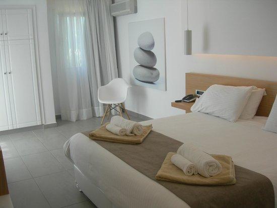 Atlantica Marmari Beach : спальня