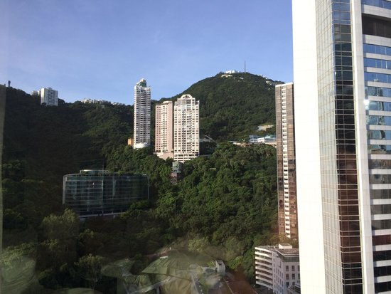 JW Marriott Hotel Hong Kong: Mountain View from 34th floor