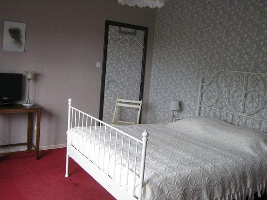 la chambre d 39 amis comme chez bobonne chambre d 39 h tes oupeye belgique voir les tarifs et. Black Bedroom Furniture Sets. Home Design Ideas