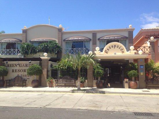 Green Garden Resort & Suites: The front