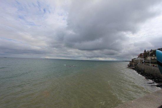 Remains Mulberry Harbour : Porto di Arromanches