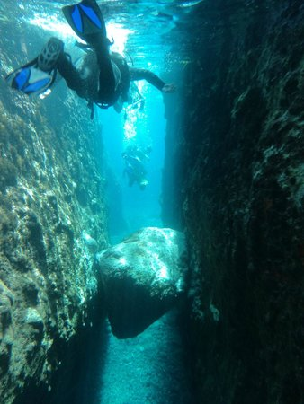 Navys Waterworld Dive Center : Diving between lava walls!!!!!