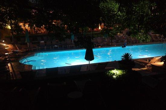 The Langham Huntington, Pasadena, Los Angeles: Pool night time