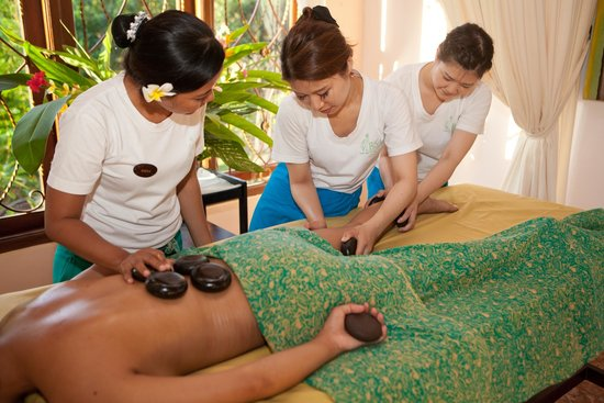 Sanur, Indonesien: Warm Stone Massage