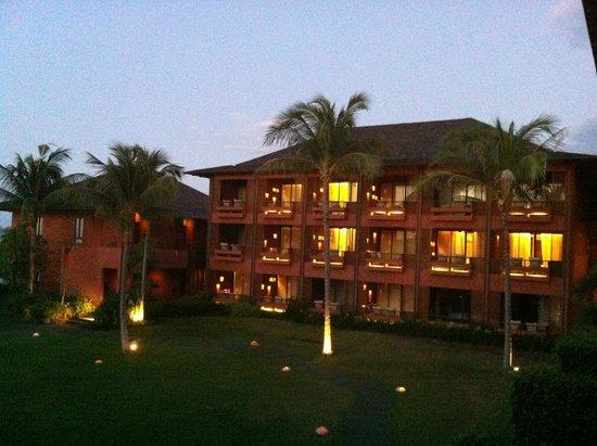Hansar Samui Resort: vue droite de la chambre