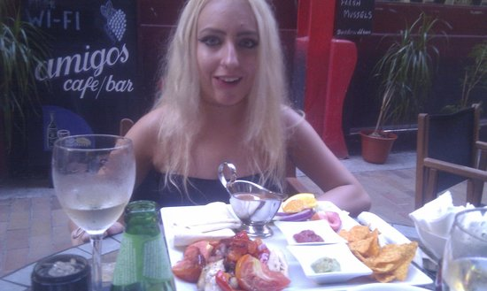 Amigos Restaurant and Roof Terrace : Ellie and the Fajitas (sadly not the name of a band) Lol